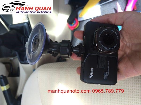 Camera Hành Trình Vicom DVR 820 Ghi Hình Trước Và Sau Xe Nissan Urvan