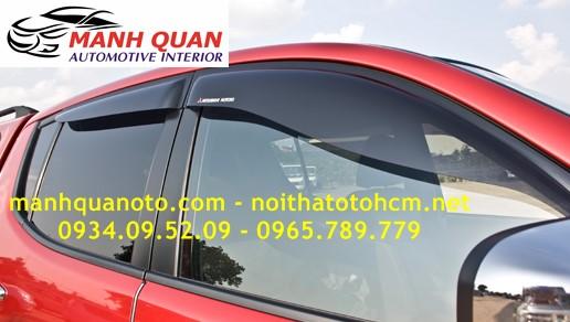 Vè Che Mưa Cho Xe Mitsubishi Triton